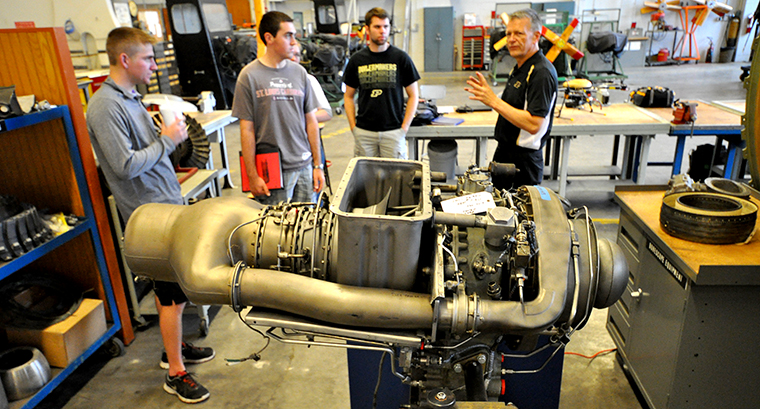 An Allison 250 turboshaft engine is ready for use in Mike Davis's AT37600 course.