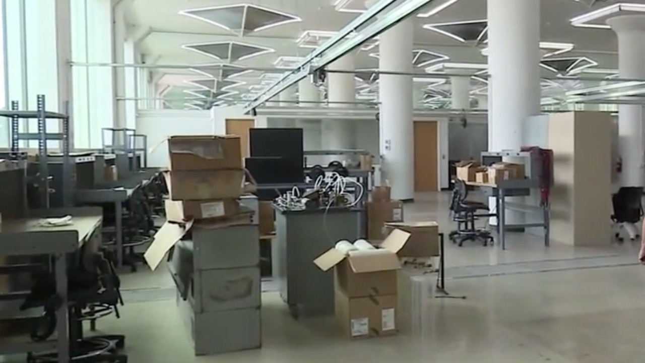 New Purdue Polytechnic South Bend laboratory space in the Studebaker Renaissance District (WBNC/ABC57)