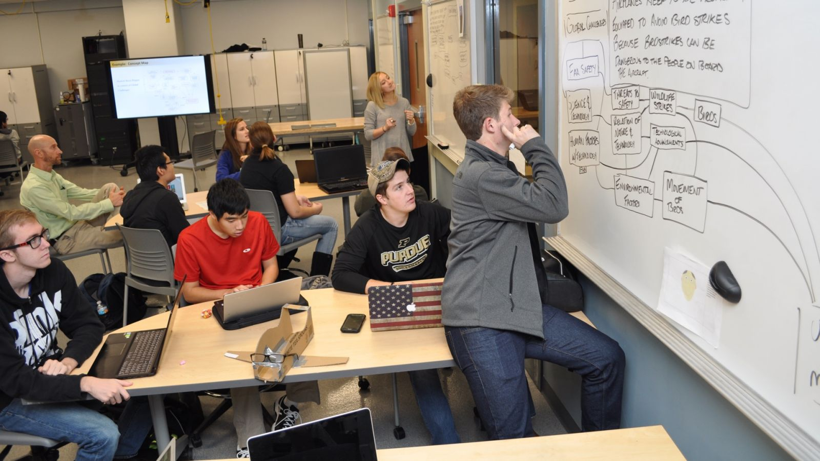 Students in TECH 12000 work on team projects